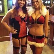 Tilted Kilt Pub & Eatery - Frisco, TX, États-Unis. Beautiful ladies behind the bar Shasta and Emily!