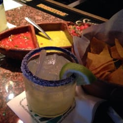Maz Mezcal - New York, NY, États-Unis. Best trio of salsa with chips and skinny type margarita!