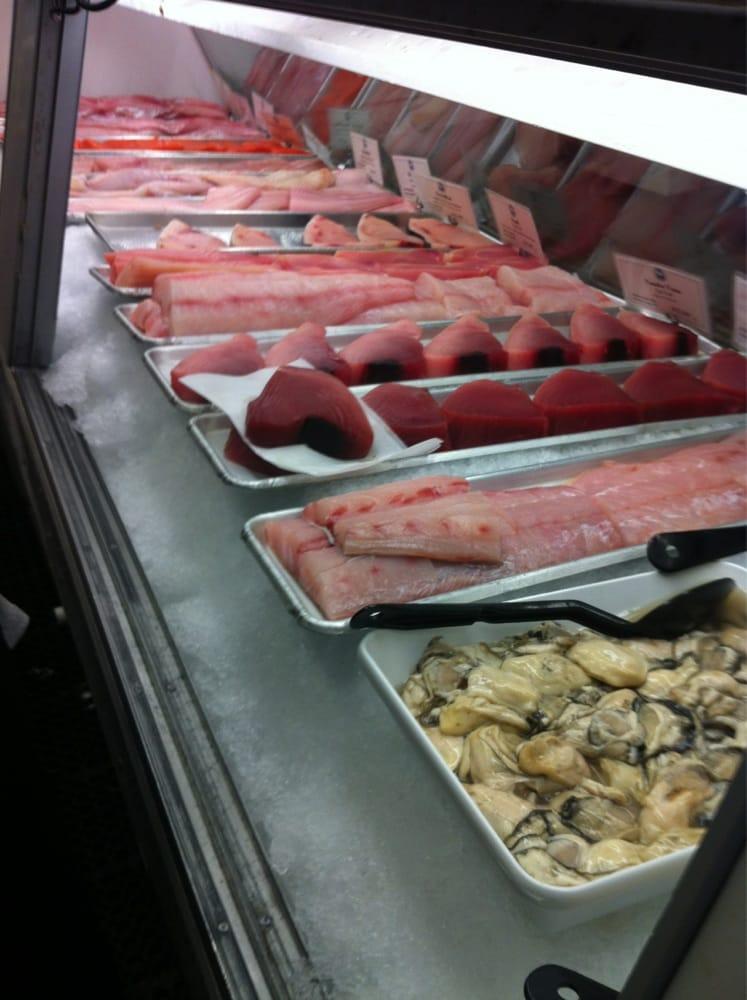 Monterey fish seafood markets berkeley hills for Fish market monterey ca
