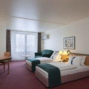Zimmerbeispiel Twin Room mit Schlafcouch