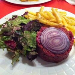 Le Petit Villiers - Paris, France. Beef tartare