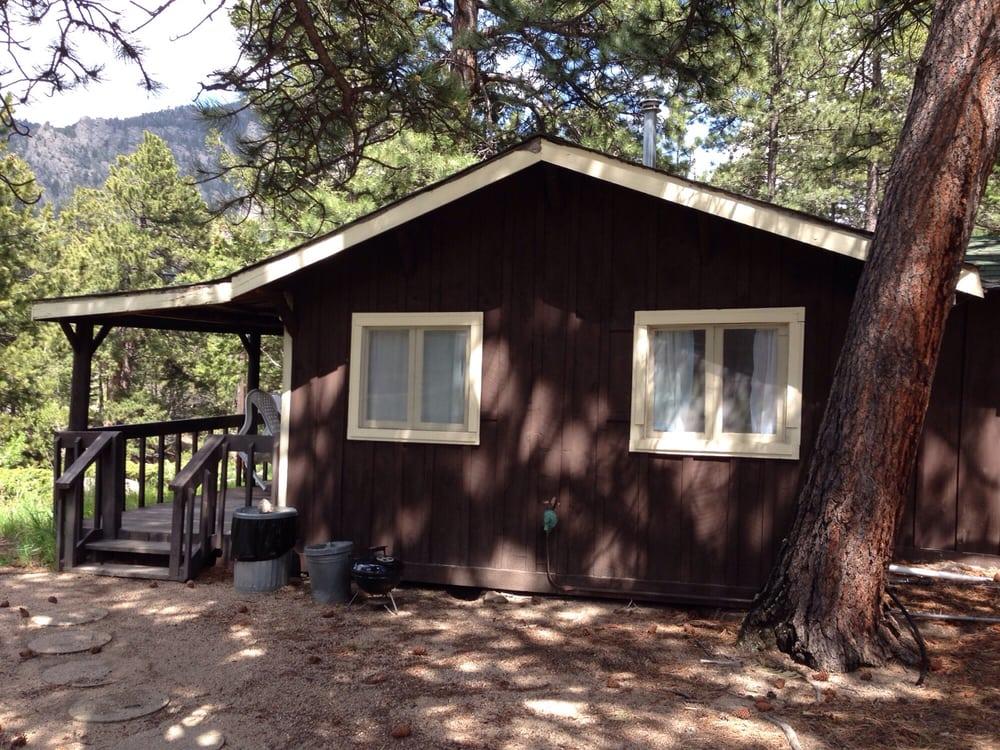 Cascade cottages hotels estes park co reviews for Cooper s cabin park city