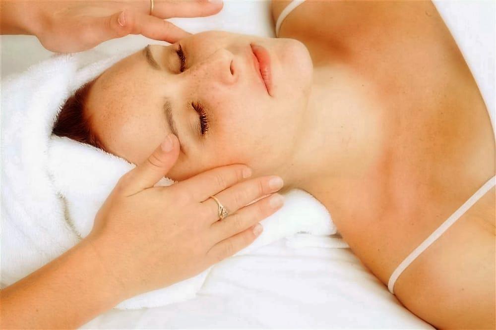 Bella d ora spa salon 53 photos hair salons for Spa treatment near me