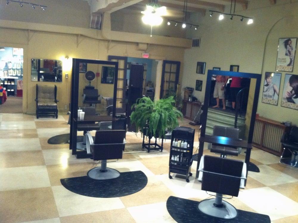 Harwood hair co coiffeur salon de coiffure wauwatosa for Avis salon de coiffure