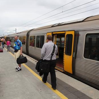 how to get express pass australian airport