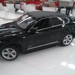 BMW X6 als Requisite...wow