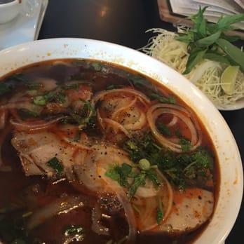 V kitchen vietnamese cuisine 72 photos vietnamese for V kitchen ann arbor