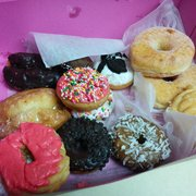 SLO Donut Company - Gah they're all amazing! :-P - San Luis Obispo, CA, Vereinigte Staaten
