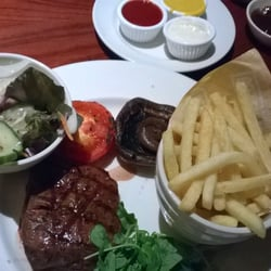 8oz. steak and chips