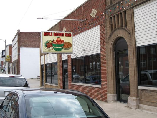 Macon (MO) United States  city images : Apple Basket American Traditional Macon, MO Yelp