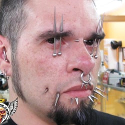 Da hot zone tattoo body piercing moved avondale for Chicago tattoo piercing co