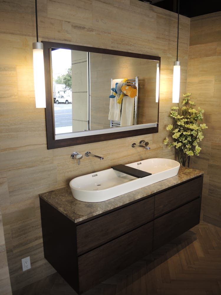Furniture Guild 39 S Nuvo Angolo Vanity W Robern 39 S Uplift Medicine Cabinet Pendant Lights And