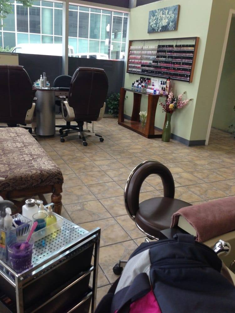 Bijou nail spa nail salons near north side chicago for 24 hour nail salon chicago