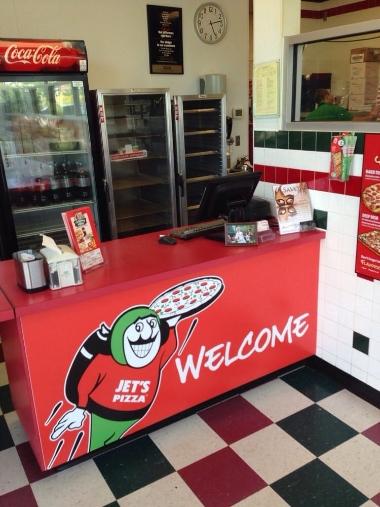 Jet's makes pizza, wings and salads using quality ingredients and has over locations in 20 states. Let Jet's Pizza® bring the party! From small gatherings at home to big office parties, we have a variety of delicious food to choose from. Catering.