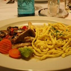 Filetstreifen mit Gemüse und Spätzle