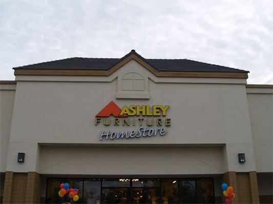 Ashley furniture homestore closed yuba city ca yelp for Furniture yuba city