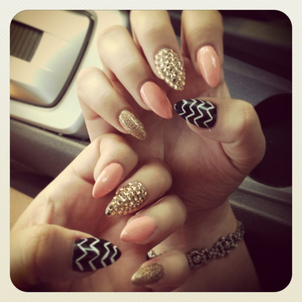 Nail Technician college for me
