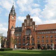 Das Rathaus Köpenick vom Park aus…