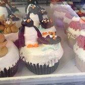 Party Favors - Penguin cupcakes - Brookline, MA, Vereinigte Staaten