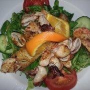 Salat mit Scampi Seezunge und Calamari -…
