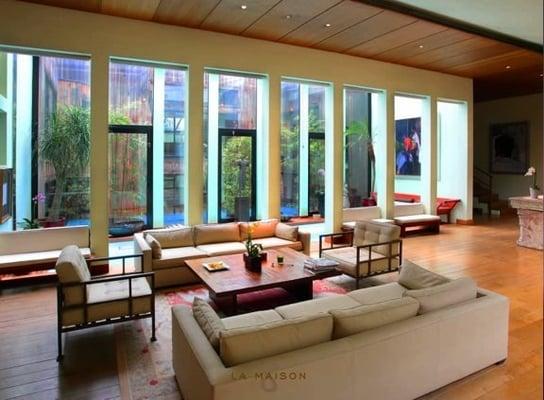 la maison 8 v nementiel 11 me paris yelp. Black Bedroom Furniture Sets. Home Design Ideas