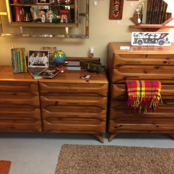 Funky Finds Vintage And Retro 20 Photos Furniture Store 515 18th St Des Moines Ia