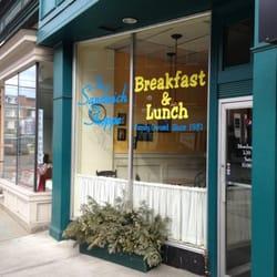 Sandwich Shoppe - Storefront - Rutland, VT, Vereinigte Staaten