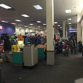 Chuck E Cheese S Pizza Willowdale Willowdale On