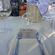Buttonwood Farm Winery & Vineyard - Table setting. - Solvang, CA, Vereinigte Staaten
