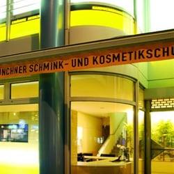 Kosmetikschule und Beratungsbüro in der…
