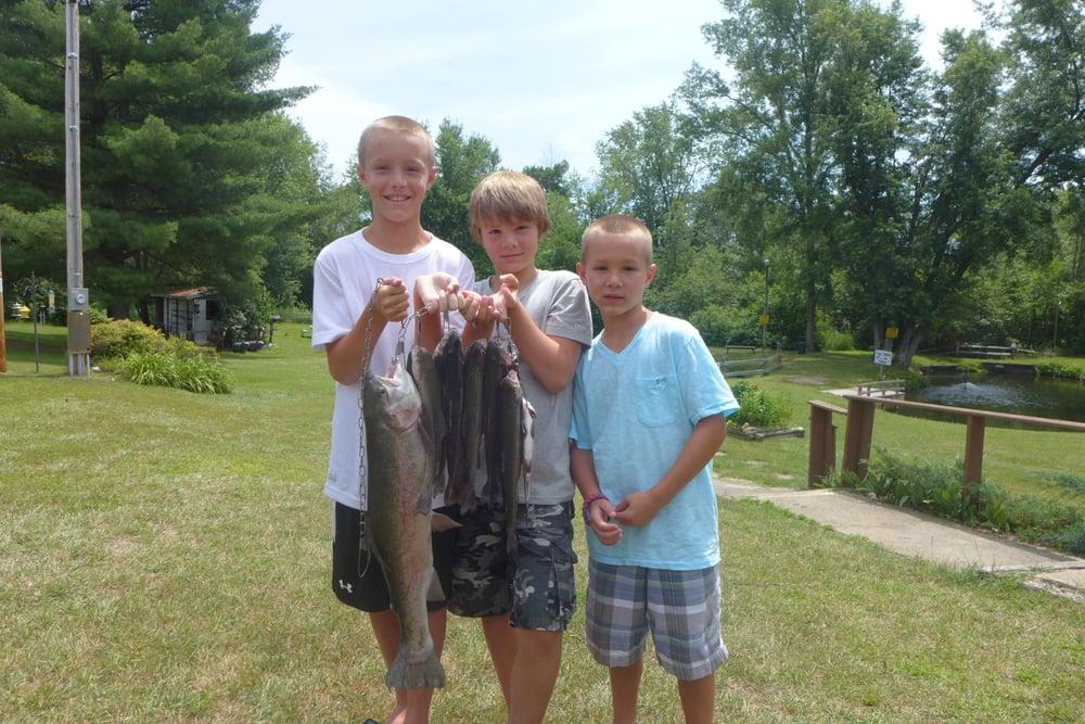 B h trout farm bait shop fishing wisconsin dells for Trout farm fishing near me