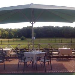 Terrasse mit Blick auf den Poloplatz