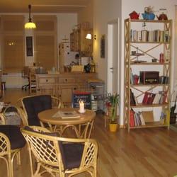 Gastraum mit Küche