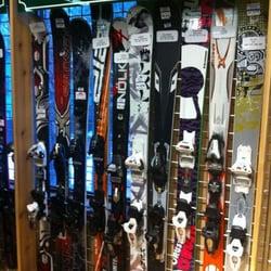 Rainbow Mountain Ski & Snowboard Rentals - Demo Ski Selection - South Lake Tahoe, CA, Vereinigte Staaten