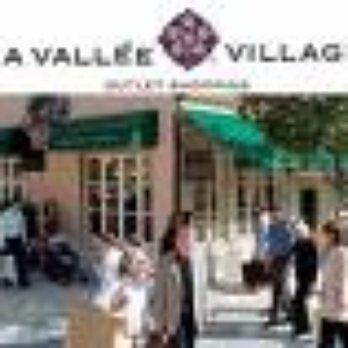 La vall e village 25 photos magasin d usine outlet serris seine et marne france avis - Magasin marne la vallee ...
