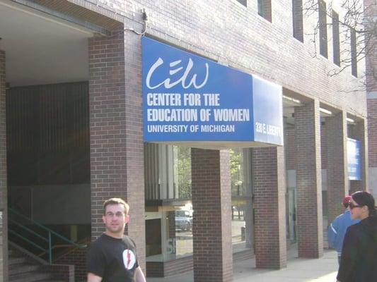 Center for the education of women universit downtown for Affitti della cabina di ann arbor michigan