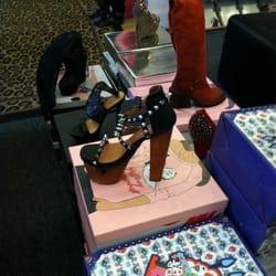 Atlanta Stores, Stores Design, Shoes Stores, Store Design, Retail Stores, Concept Stores