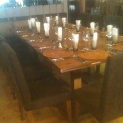 Table pour 14 personnes! Sympa!