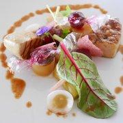 Le Saint James - Bouliac, Gironde, France. Foie gras des 'Landes' grillé au barbecue et en bonbons acidulés/Déclinaison de betteraves, rhubarbe et jus de canard concentré