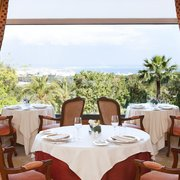 Dinning with a fantastic view over the green gardens over to Palma and it's bay.
