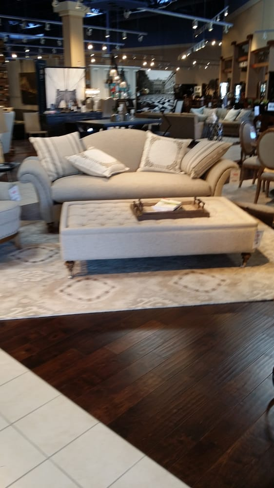 Living spaces furniture stores redondo beach redondo for Living spaces furniture reviews