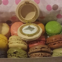 Le Macaron French Pastries - Winter Park, FL, United States. :')...12 ...