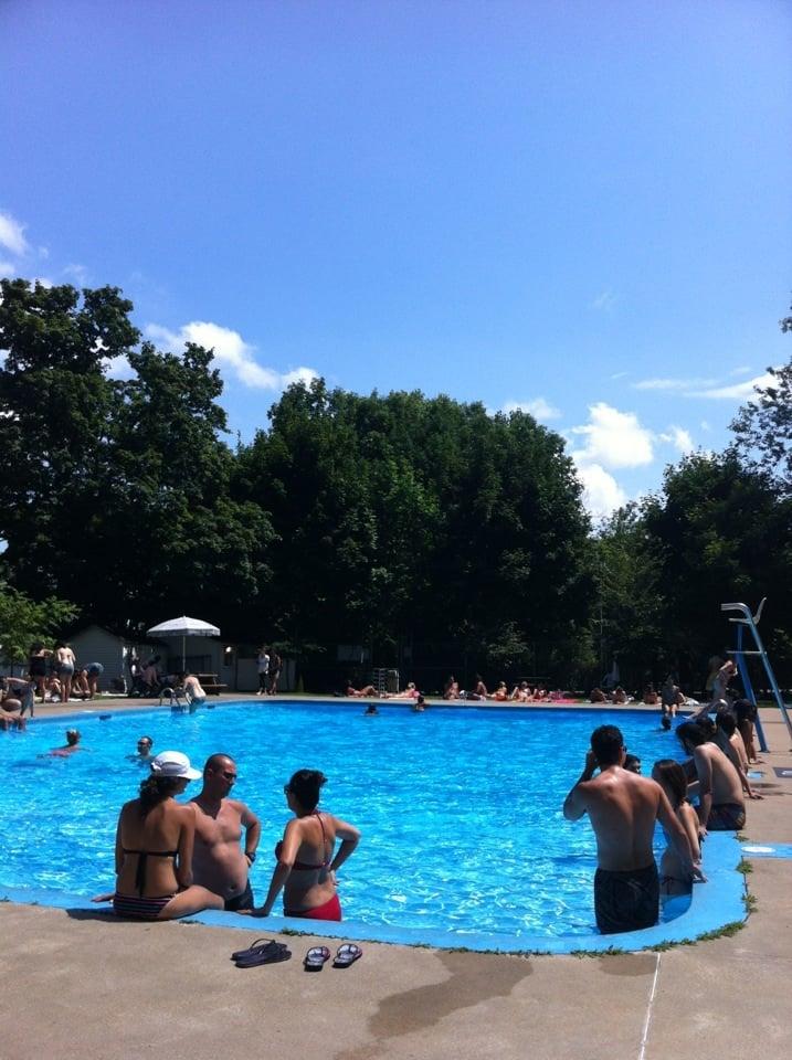 Piscine royal victoria swimming pools ville marie for Piscine near me