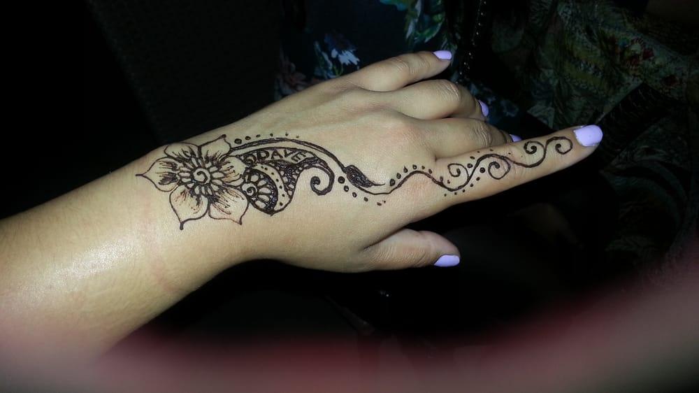 Elegant henna tattoos 20 photos henna artists for Where to get a henna tattoo near me