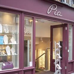 Pia, Chester