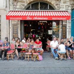 Les Chimères, Paris