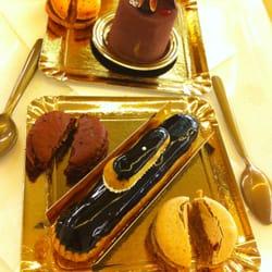 Girly Parisian Tea time chat