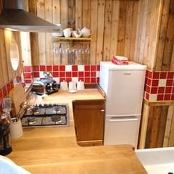 Kent Cottage Holidays - Oyster Lounge, Whitstable, Kent, UK