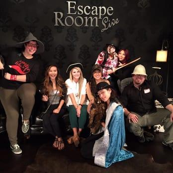 Elite event yelp s great escape at escape room live for Escape room live