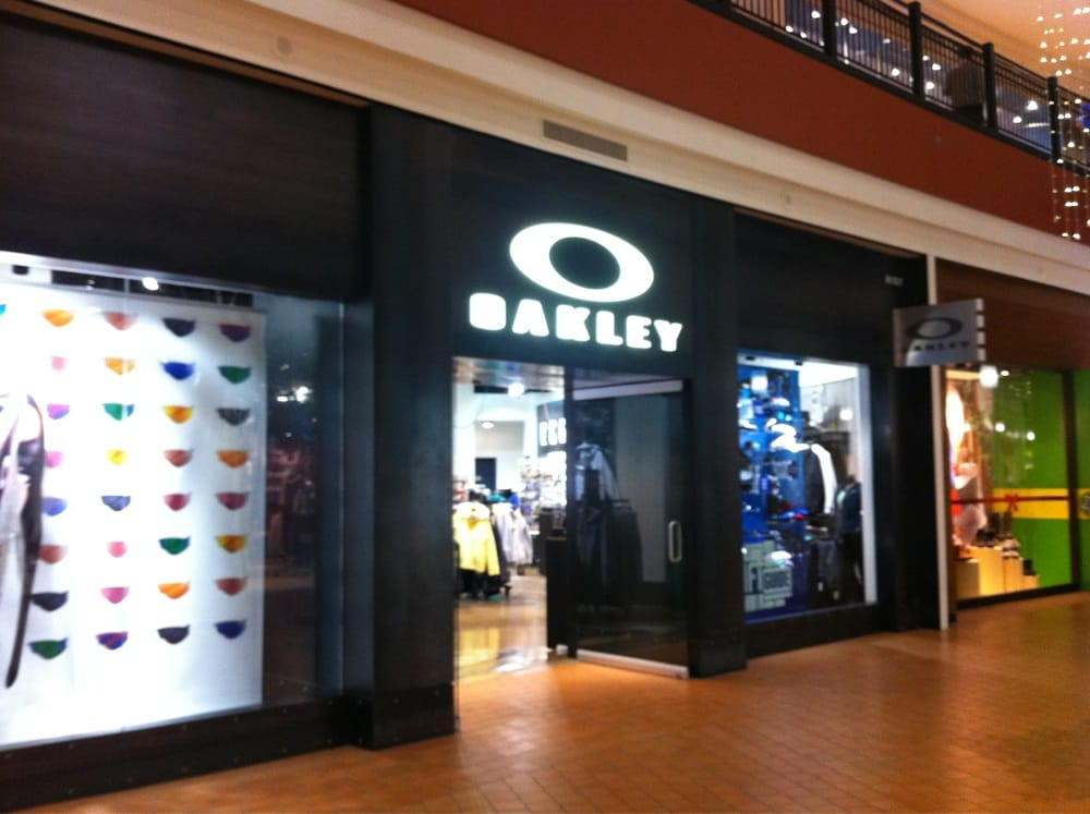 oakley outlet vegas  oakley store vegas · ray ban aviators mens